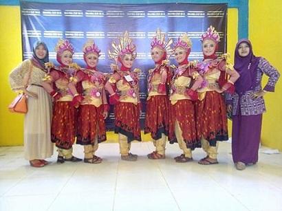Ekskul Seni Tari Juara 1 Traditional Dance Pada Event SMANSA CUP